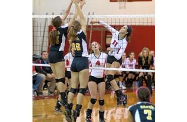 Volleyball Team Falls in Playoffs