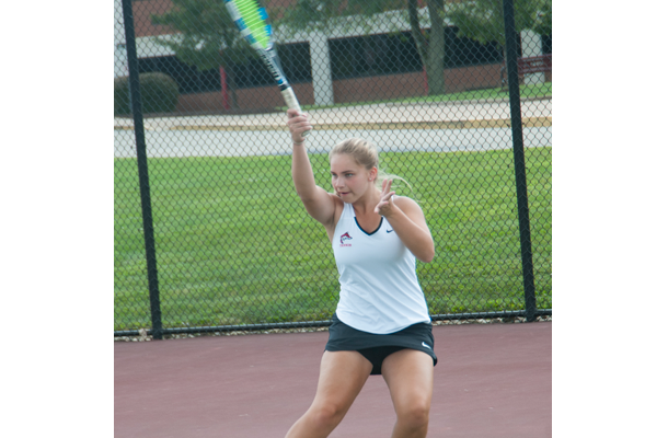 Girls tennis looks to replace key singles players