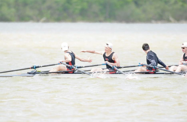 Crew Excels at Midwest Regatta