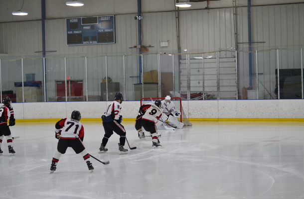 Hockey team hopes to carry momentum