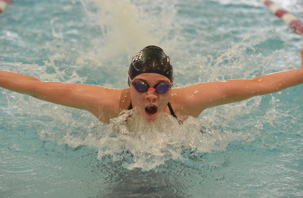 Swimmers Open Year on Winning Streak